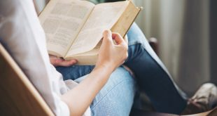 Five Benefits of Reading Books Every Day