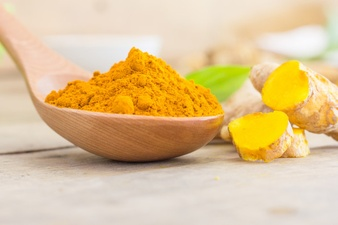 Turmeric is a rich source of antibacterial properties, but it can be effective for pore shrinking, too,